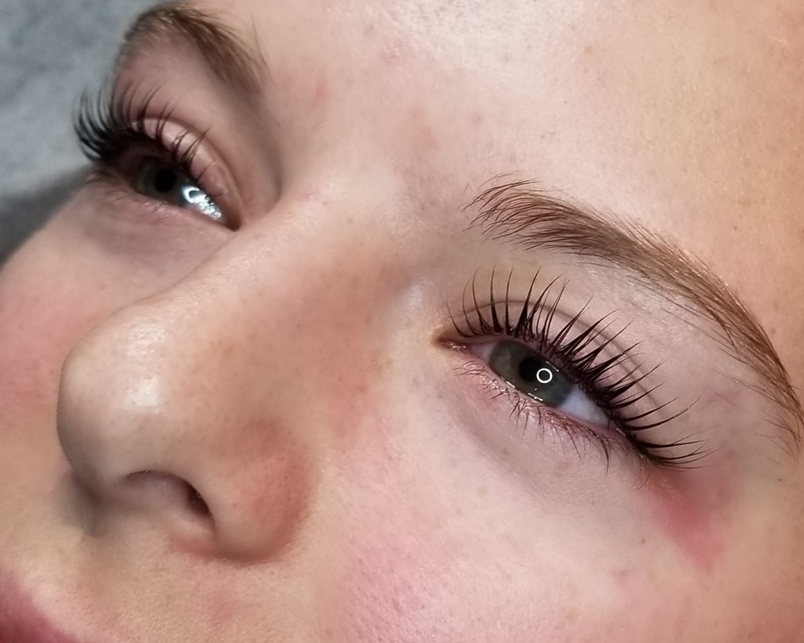15e1d06c30b Sister brows – Best Service in Canada